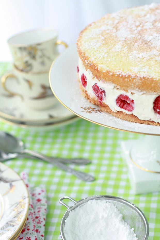 Fraisier cake recipe with raspberries