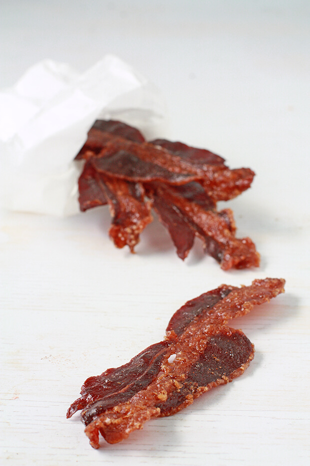 Spicy bacon jerky in the oven