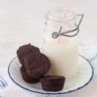 gluten-free brownie bites with peanut butter
