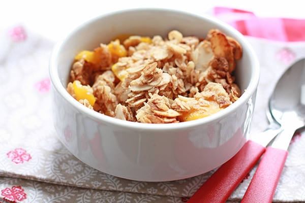 A bowl of mango breakfast crisp