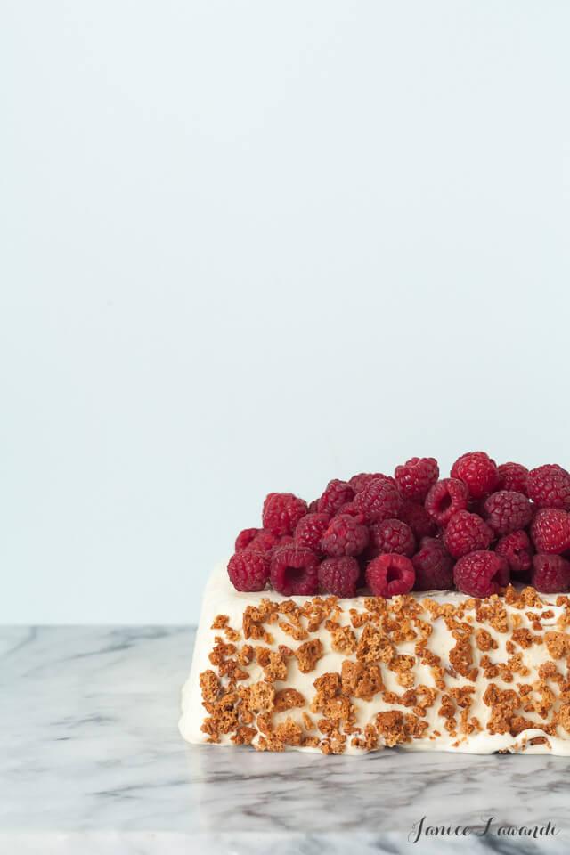 raspberry amaretti semifreddo dessert