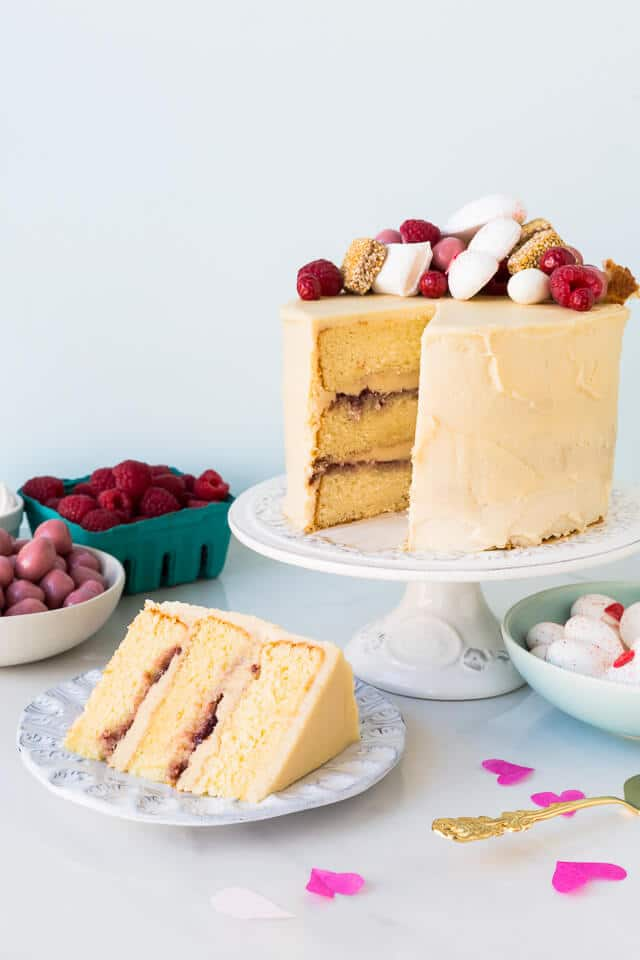 Sweet sesame layer cake with raspberries